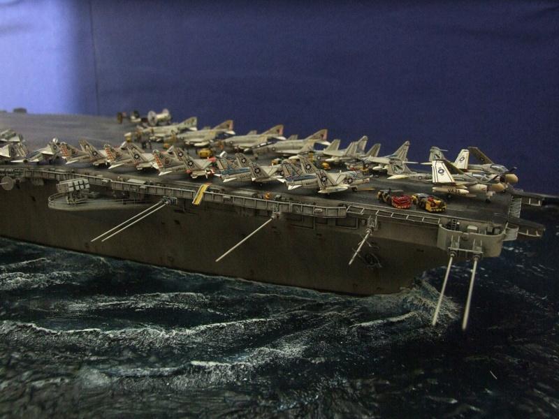USS Nimitz CVN 68 de chez Trumpeter à l'échelle 1/350 14004210
