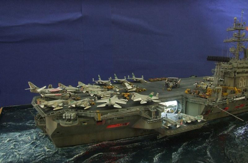 USS Nimitz CVN 68 de chez Trumpeter à l'échelle 1/350 14004610