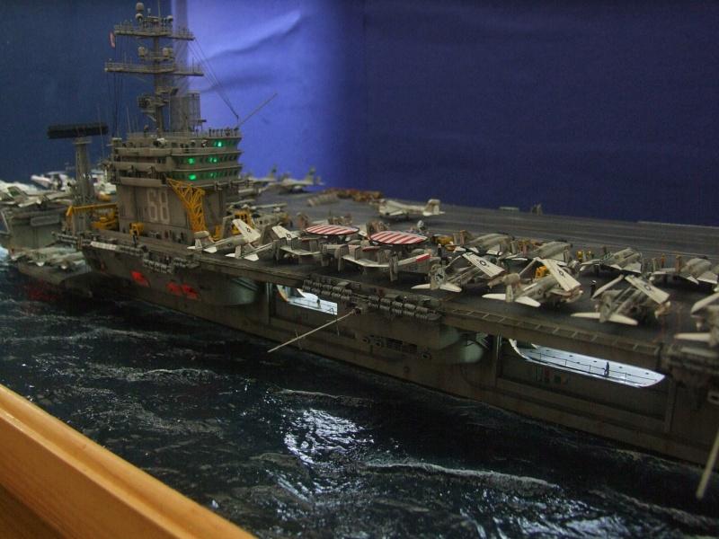 USS Nimitz CVN 68 de chez Trumpeter à l'échelle 1/350 14009110