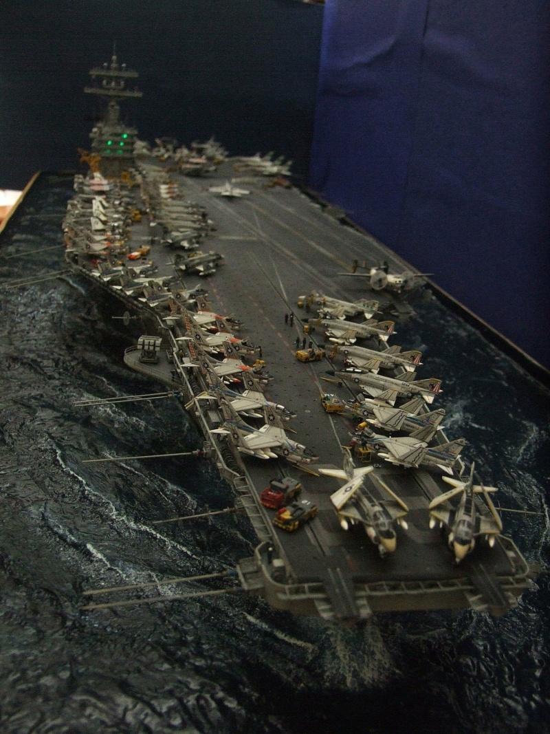 USS Nimitz CVN 68 de chez Trumpeter à l'échelle 1/350 14014910