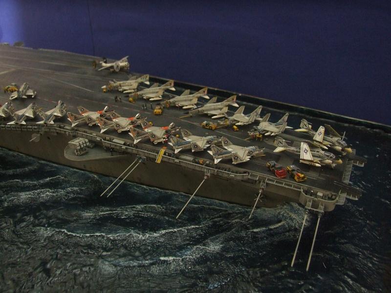 USS Nimitz CVN 68 de chez Trumpeter à l'échelle 1/350 14018410