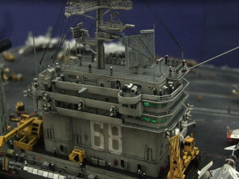 USS Nimitz CVN 68 de chez Trumpeter à l'échelle 1/350 C_210