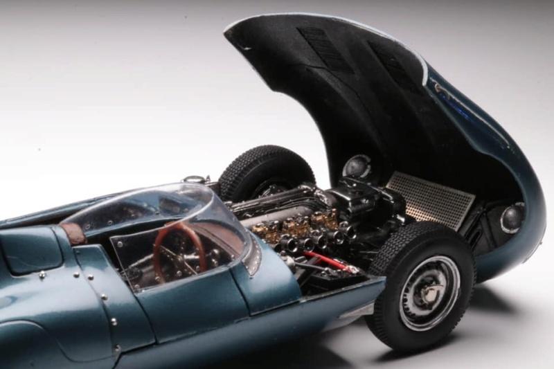 1956 Jaguar Type-D de chez Profil24 1/24 Moteur17