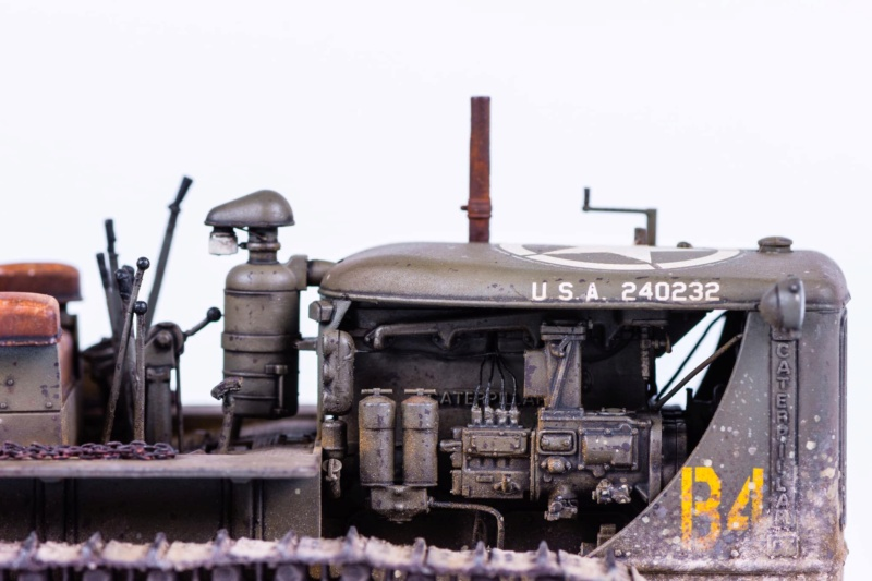 Tracteur militaire CAT D7N avec treuil de chez MiniArt 1/35 Q411