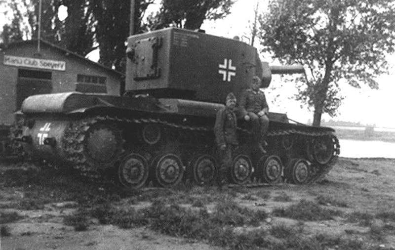 Véhicule de récupération allemand Pz.Kpfw KV-2 754  Spswtf10