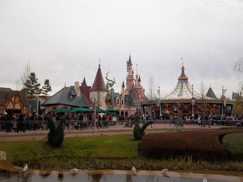 concours photos Walt Disney! Saison1: thème 10: étonnez-moi! (dernier thème avant la saison 2 - Page 4 100_0910