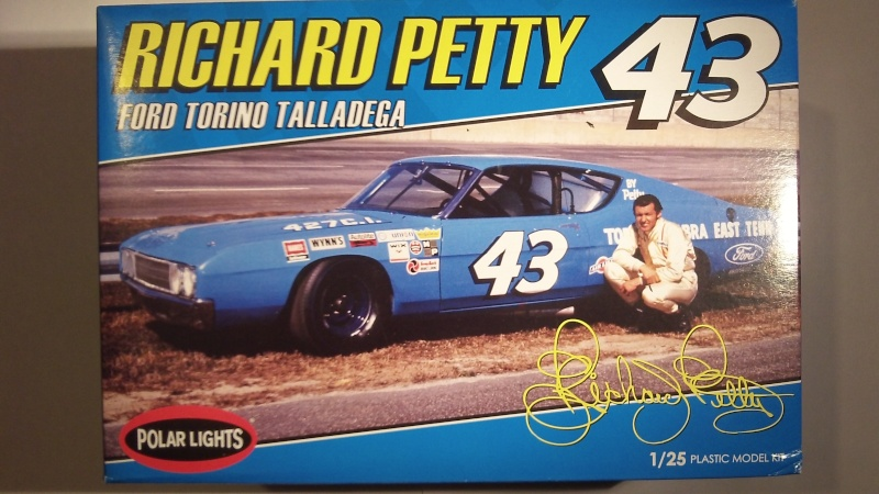"'69 Ford Torino Talladega ""Richard Petty"" (Polar lights) [Terminée] 106_0516"