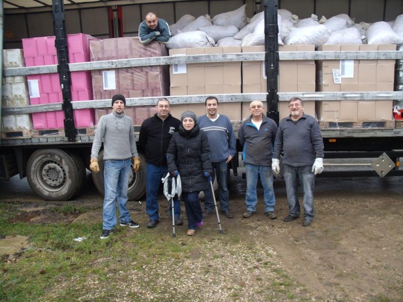 nouveau camion de bouchons en partance pour l'Alsace Gedc2111