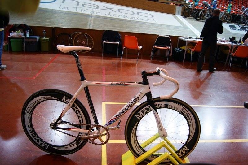 vélos de piste  15264810