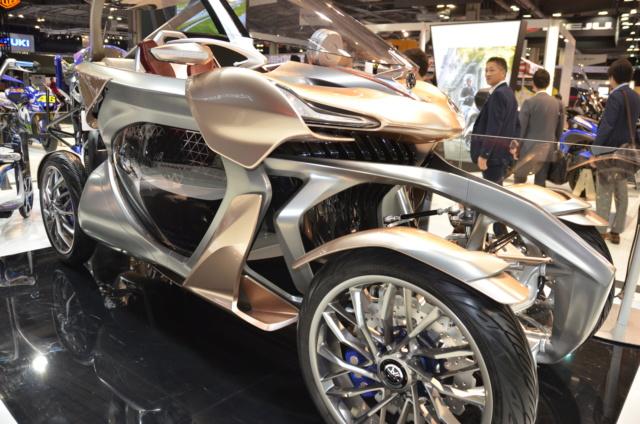 salon auto moto Paris 2018 - Page 3 4_roue11