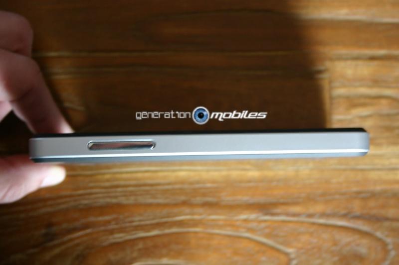 [MOBILEFUN.FR] Test Coque Nexus 5 Spigen SGP Neo Hybrid – Argent Satiné  510