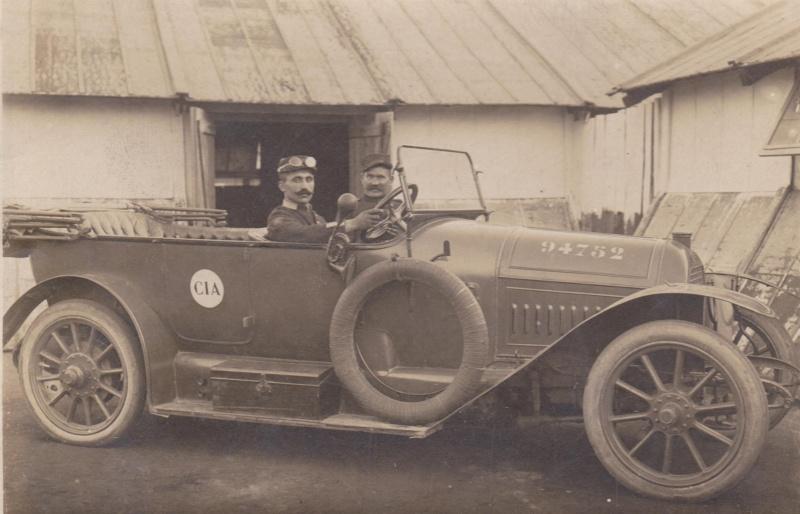 automobile en uniforme - Page 5 Peugeo12