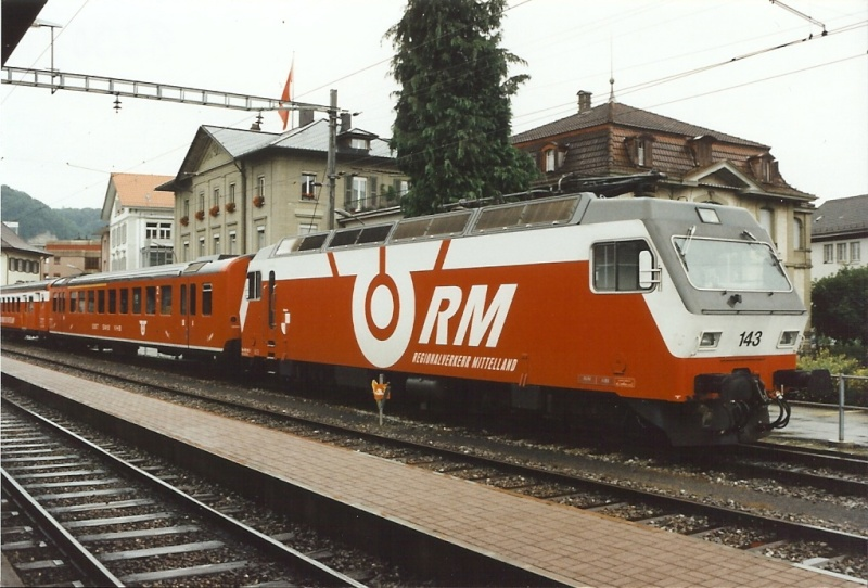Suisse : Re 4/4 IV ( & Re 446 ) + Re 456 (Sections spéciales)... Re_45611