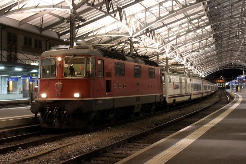 Suisse :  Re 4/4 II (Re 420, Re 421) ... Re_4_420
