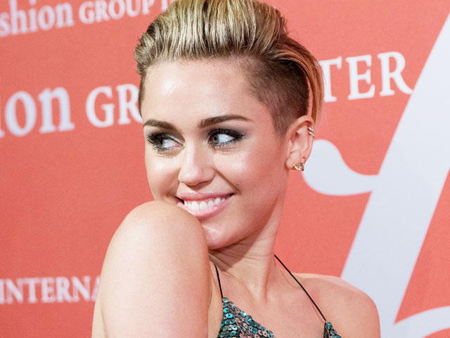 Miley Cyrus is Headed for Bay Area Concert 2014 (DATE), along with Justin Timberlake, George Strait's, Sting and Paul Simon... Miley-12