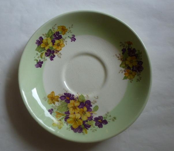 Violas on green border Green_10