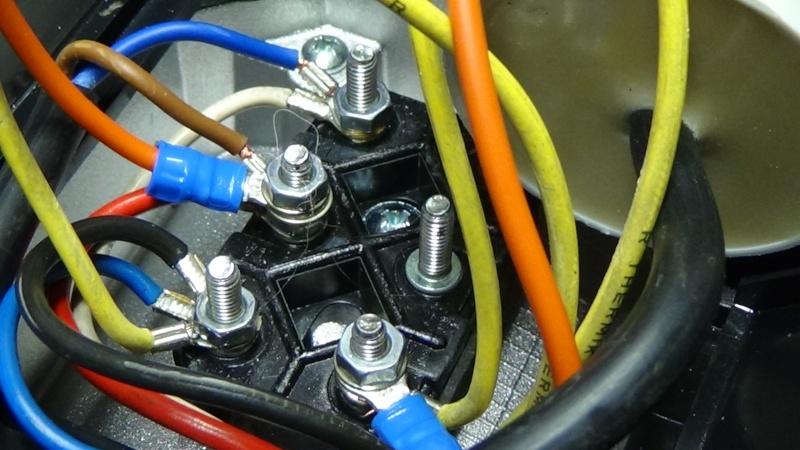 Branchement moteur mono pour un nul Dsc00149
