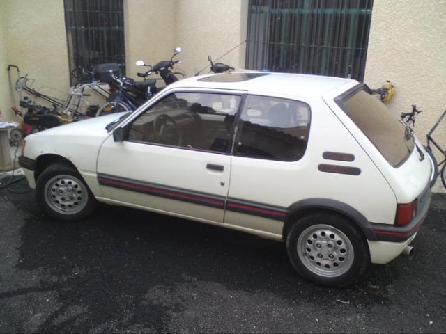 [stoffer13gti]  GTI modifiée - 1.9L - blanc meije - 1986 20593610