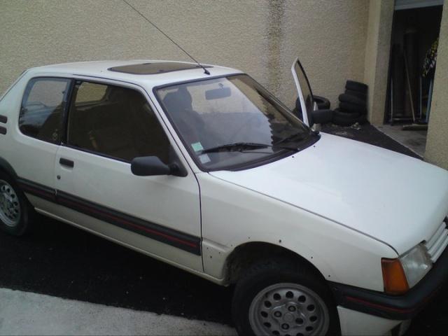 [stoffer13gti]  GTI modifiée - 1.9L - blanc meije - 1986 31565910