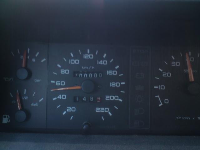 [stoffer13gti]  GTI modifiée - 1.9L - blanc meije - 1986 Dsc00115