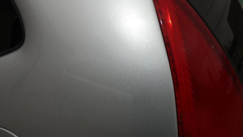 tache de goudron sur carrosserie Pb220513