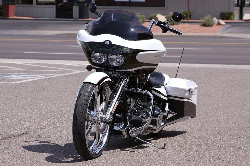 Le Road Glide CVO de Little Mouse. - Page 6 2012sk10
