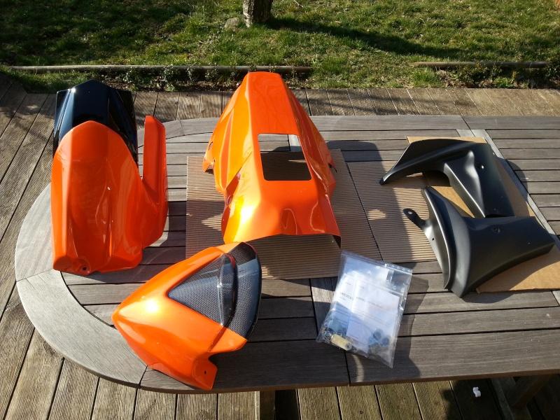 MT 09 orange + poly JMV et bagagerie GIVI 20140310