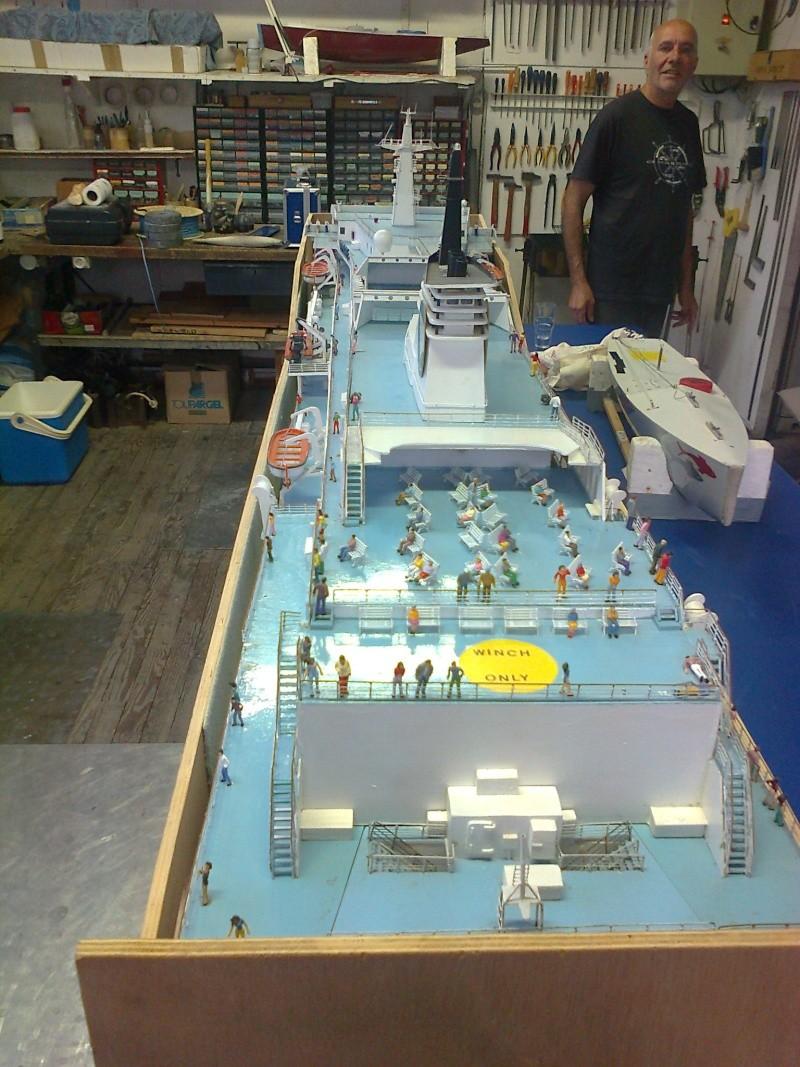 LE CORSE ferry de la SNCM MAQUETTE AU 1/72 Ferryc13