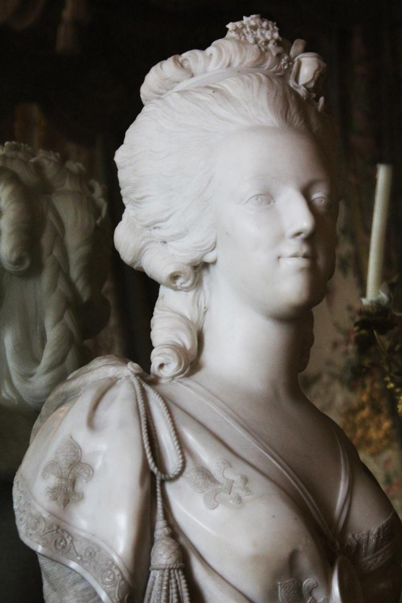 Bustes de Marie Antoinette par et d'après Félix Lecomte Busto111