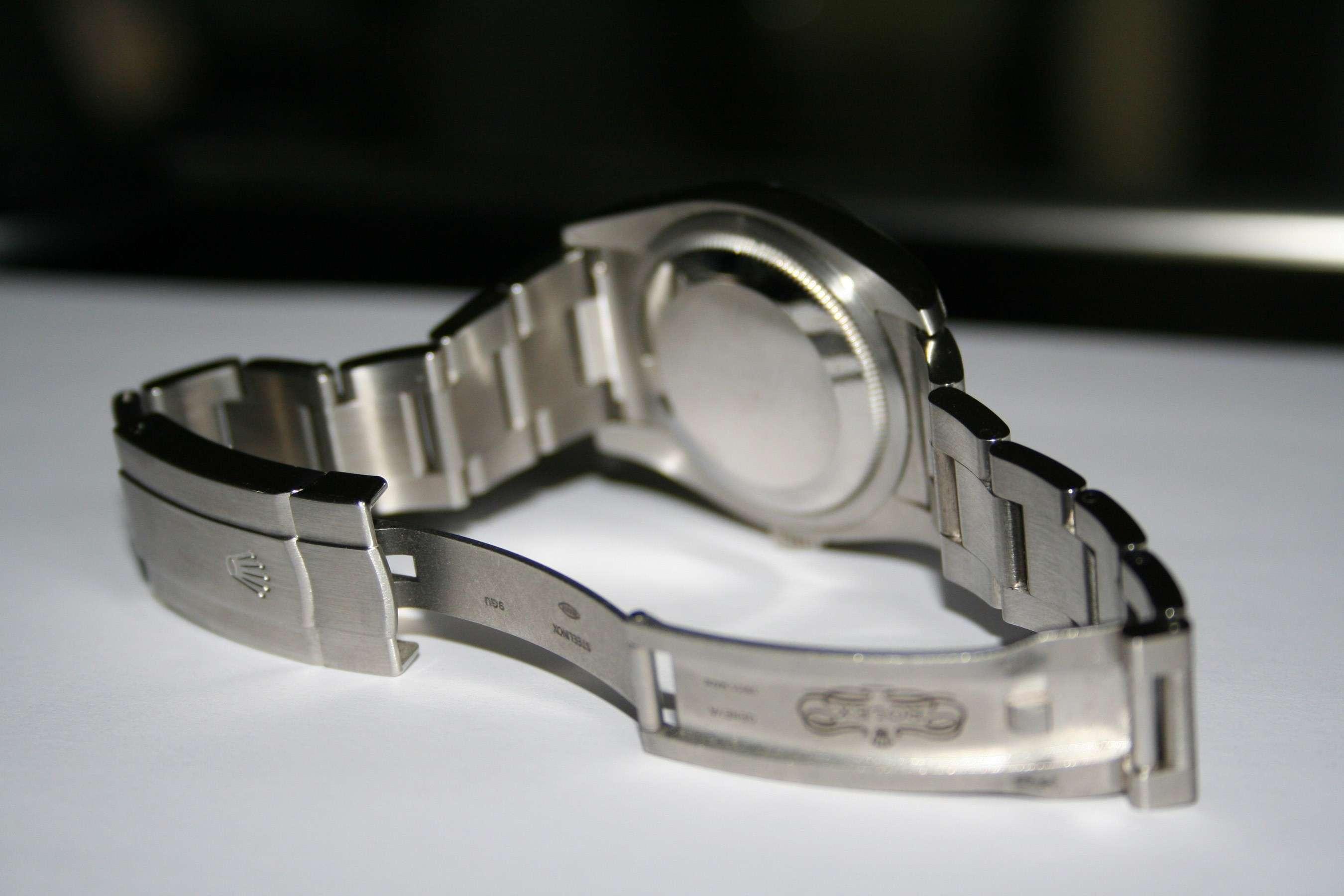 [Vends] Rolex Oyster Perpetual 116000 cadran bleu - comme neuve 311