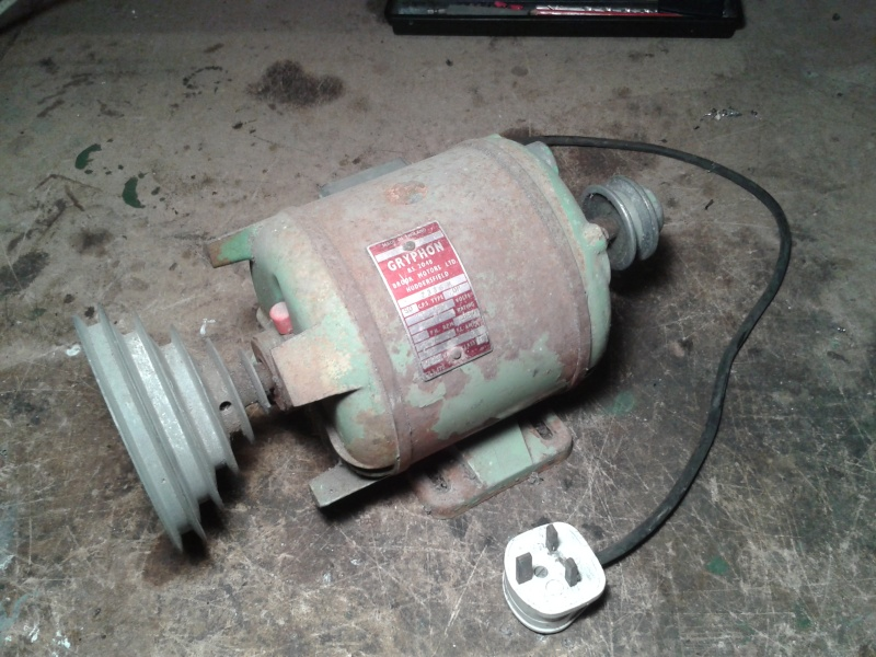 Making a generator for the Lister B - I have an old motor is it suitable? 2014-010
