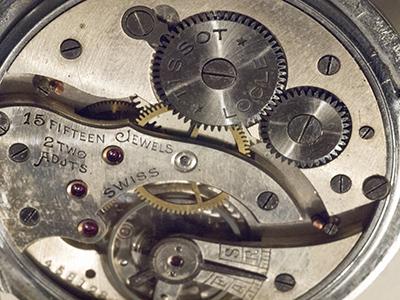 Breitling - Pour faire identifier son mouvement : C'est ici  ! - Page 22 1910