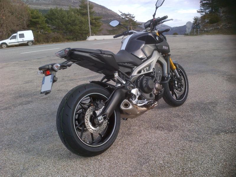 Photos de toutes les Yamaha MT-09 du forum ! :) - Page 3 Img-2012