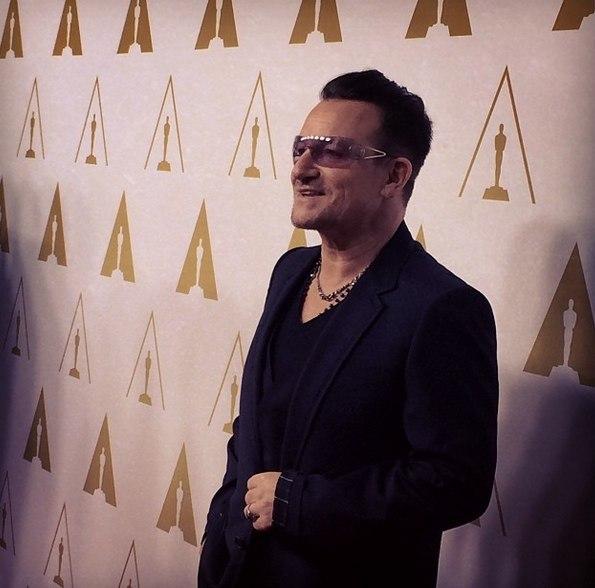 Bono partecipa al pranzo tradizionale per i candidati agli Oscar Bono-o10
