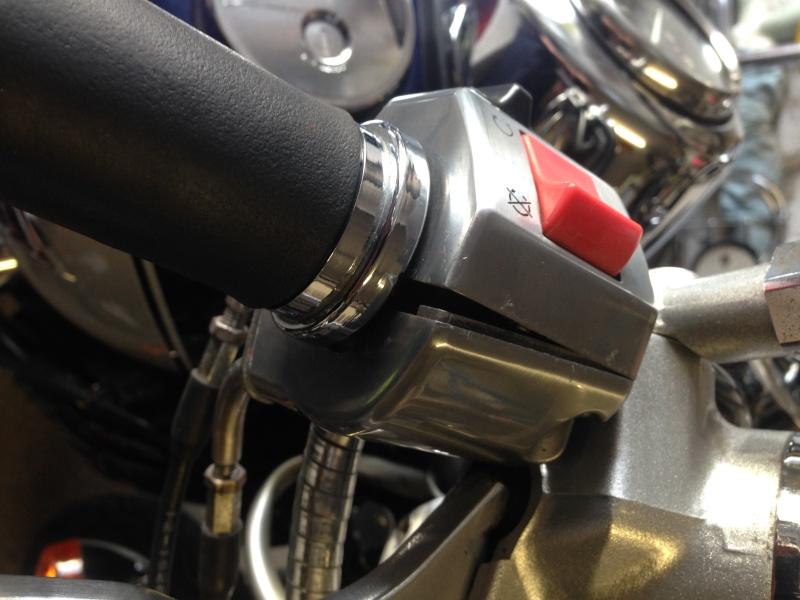 800 VN - réglage de la poigniée d'accelerateur Img_3614