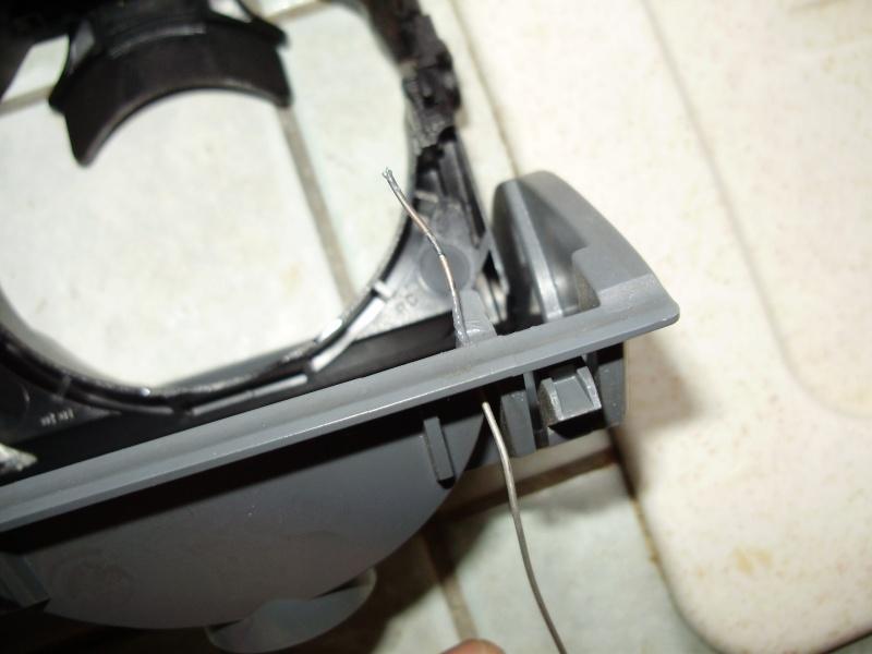 réparation porte gobelet sur Viano fun et pose de radars de recul P3250013