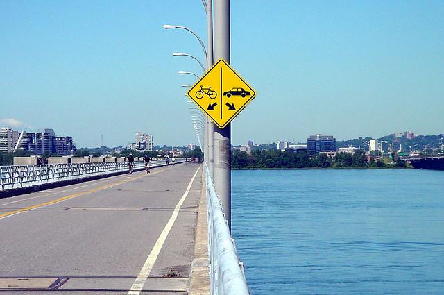 Les panneaux de signalisation les plus drôles du monde 1413