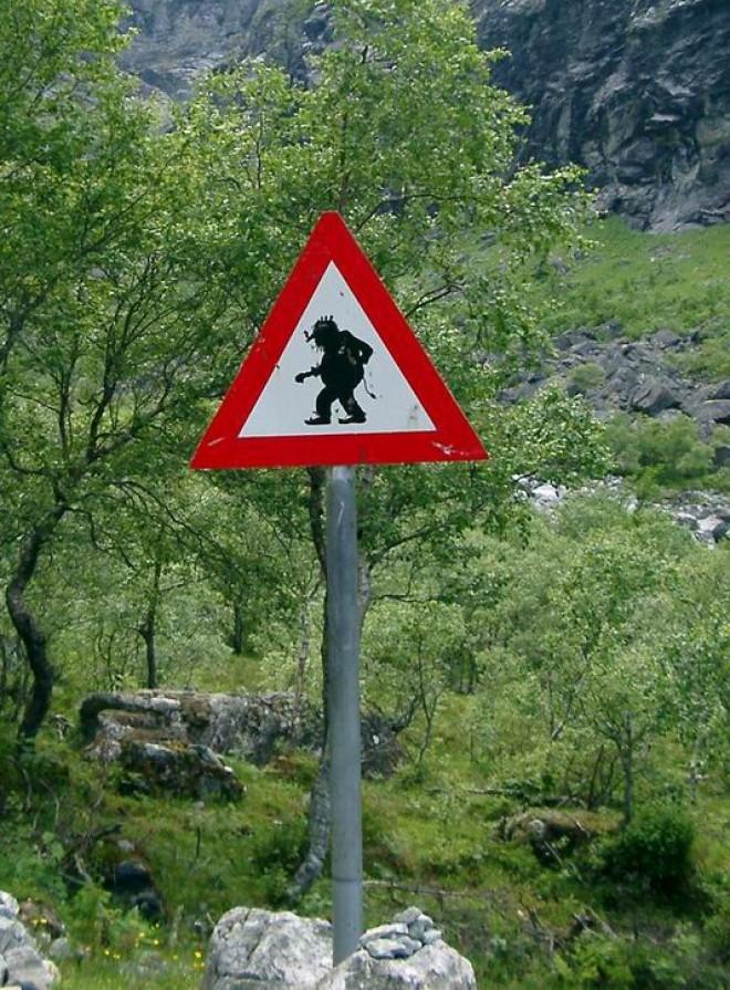 Les panneaux de signalisation les plus drôles du monde 1612