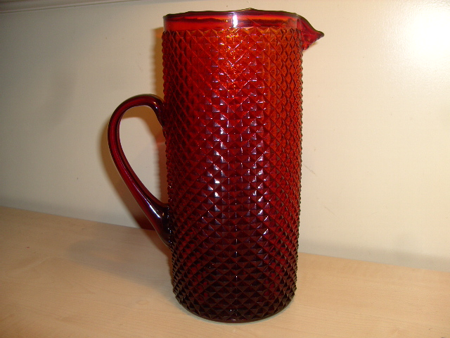"""Very nice red """" Italian """" watervessel ??  Who knows.. Rode_k10"""