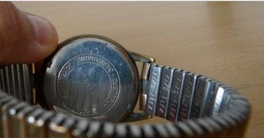Jaeger - [Ici TOPIC des demandes d'IDENTIFICATION et RENSEIGNEMENTS de vos montres] - Page 38 Sans_t11