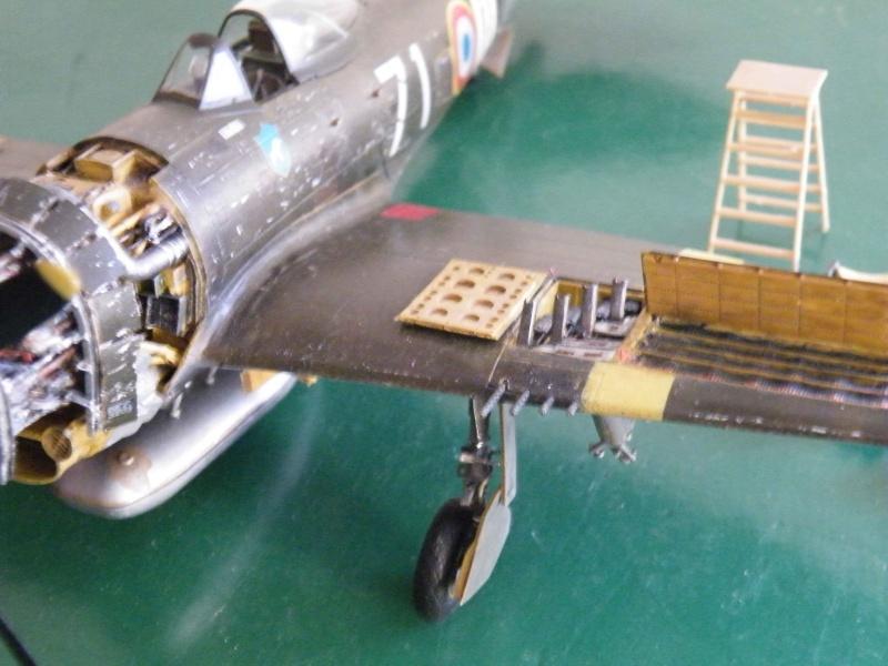 P 47D ardennes en grande revision Dscf5211