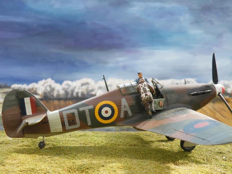 SCRAMBLE!!! pour Huricane battle of Britain 1/48 Dscf6410