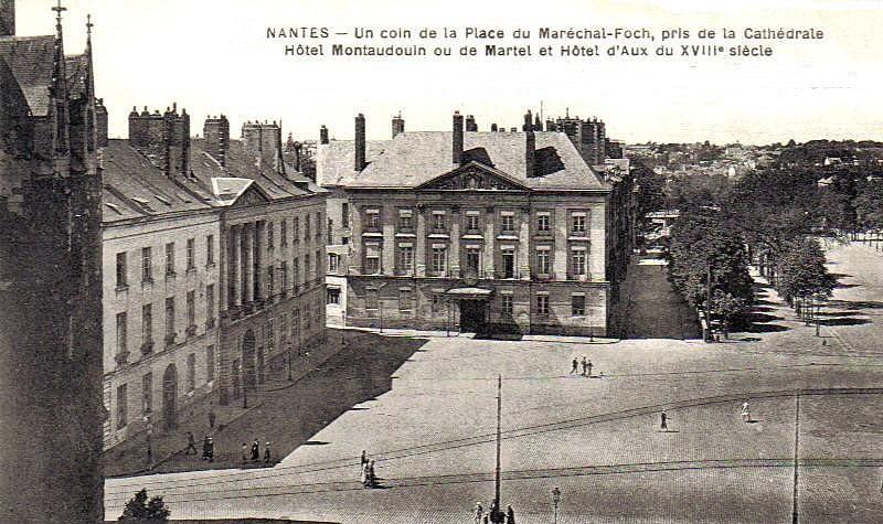 HÔTEL PARTICULIER DE RENÉ LOUIS D'AUX Hotel-10