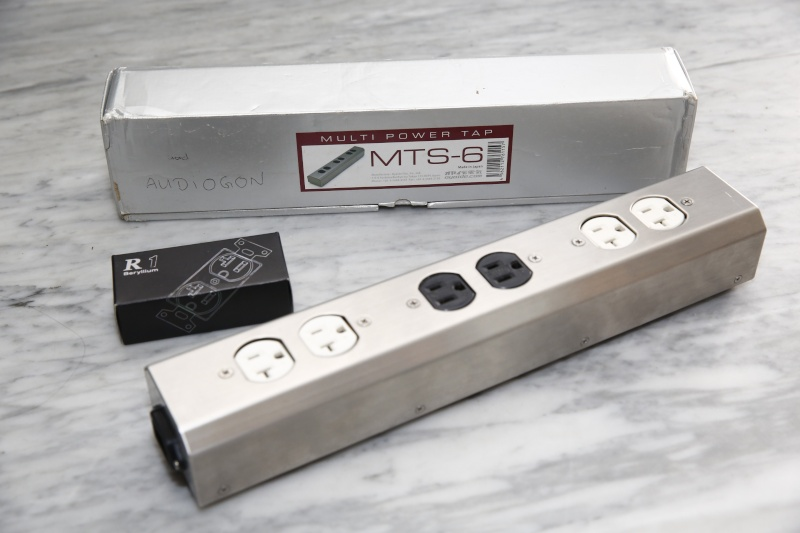 Oyaide power distributor MTS-6 (Used) SOLD! Mts-6_10