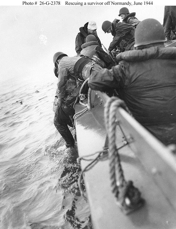 Pilote barge de débarquement 6 juin 44 Equipe10