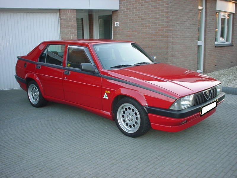lancia - Alfa Romeo 75 3.0 V6 VS Lancia Thema 8.32, quale preferite? Alfa7510