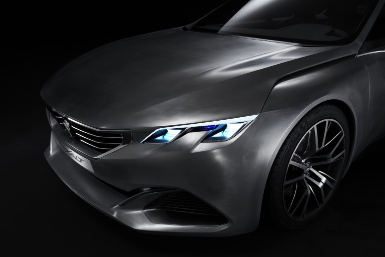 Peugeot EXALT Concept Peugeo13