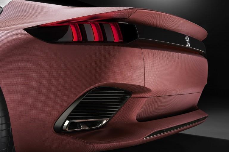Peugeot EXALT Concept Peugeo15