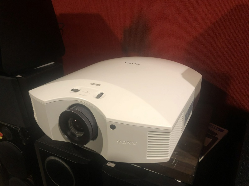 Sony Projector Vpl -VW40es (Used) Img_1312
