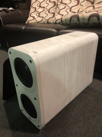 Q Acoustics Subwoofer (Piano White) Img_6612